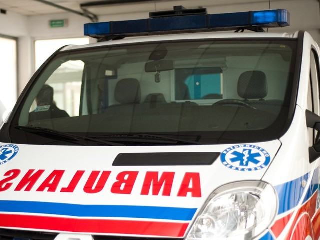 W tramwaju linii 15 zasłabł pasażer. Mimo reanimacji mężczyzny nie udało się uratować.