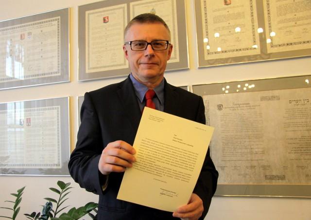 Prof. Piotr Kacejko dostał dyplom za ujęcie pijanego kierowcy