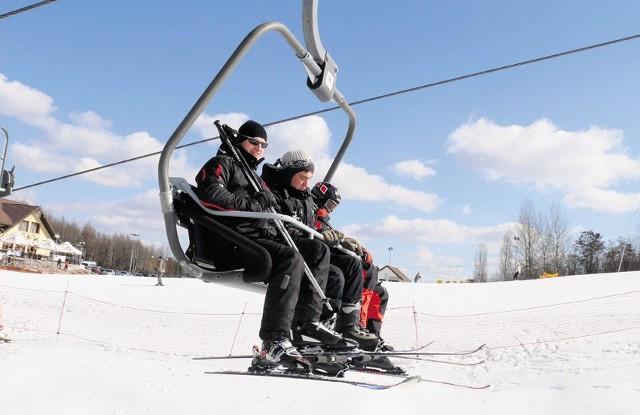 Amatorzy białego szaleństwa do ostatnich dni korzystali z uroków góry Kamieńsk.