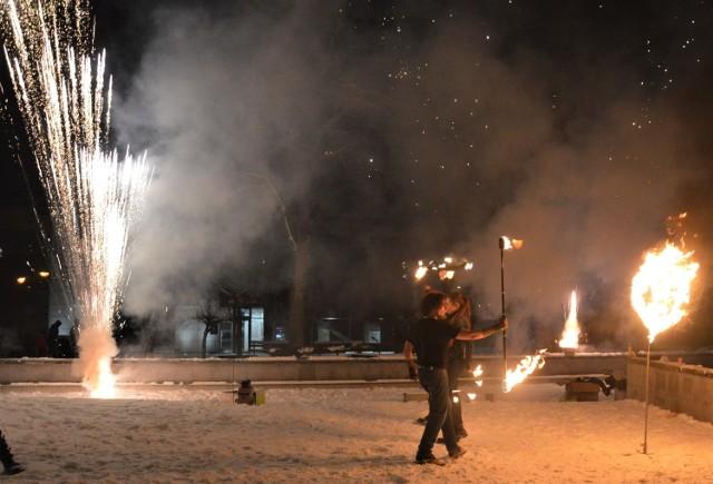 WOŚP 2021 w Piotrkowie: Światełko do nieba i pokaz ognia