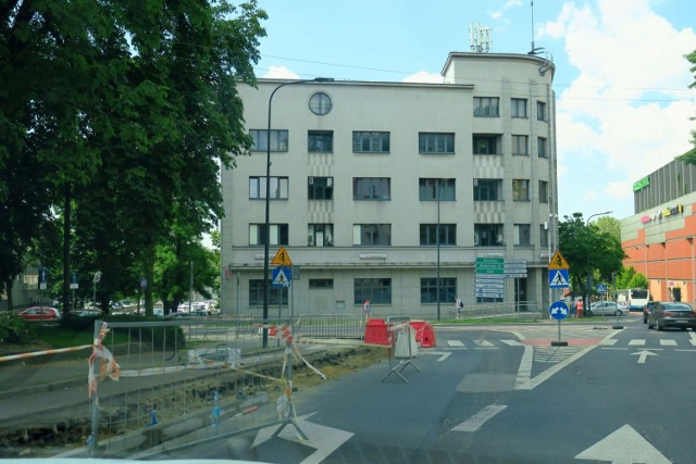 Roboty drogowe w Rybniku. Uwaga, we wtorek omijajcie ulicę Chrobrego. Będą utrudnienia