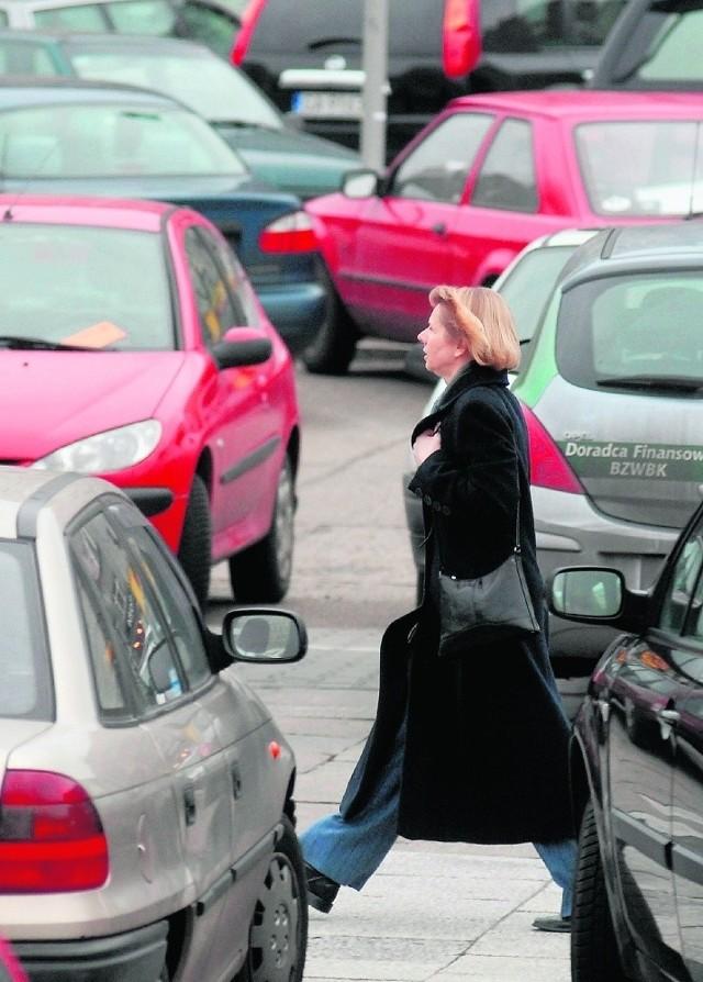 Gąszcz aut stał się zmorą na ul. Partyzantów w Gdyni