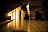 Zachwycające zdjęcia nowohuckich kościołów w nocnej scenerii [GALERIA]