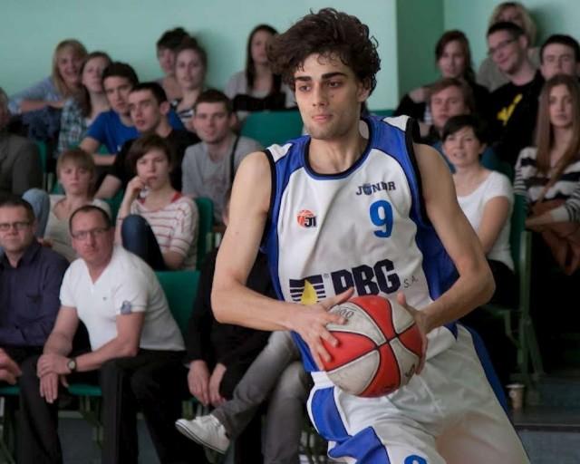 Piotr Krauze gra na pozycji skrzydłowego w zespole PBG