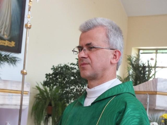 Parafia NMP Matki Kościoła w Bełchatowie ma nowego proboszcza, którym został ks. Stanisław Jaskuła.