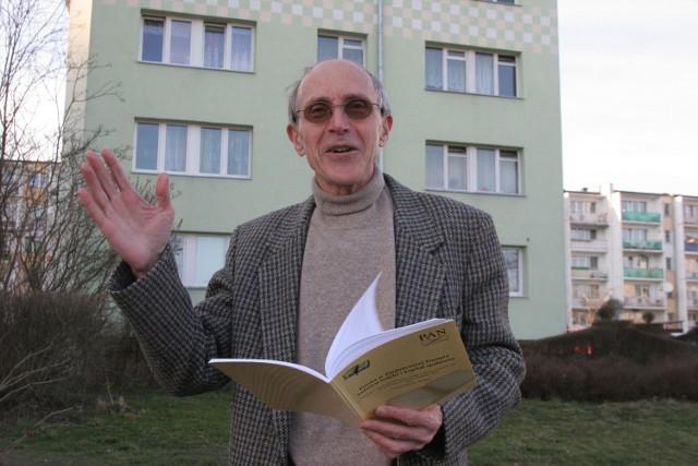Prof. Zbigniewem Bokszański uważa, że solniczka w kształcie Matki Boskiej to złamanie zasad dobrego smaku.