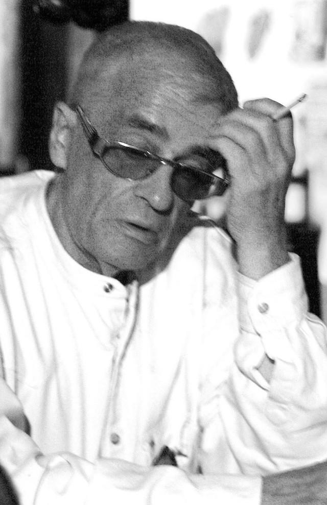 Adam Hanuszkiewicz zmarł w wieku 87 lat