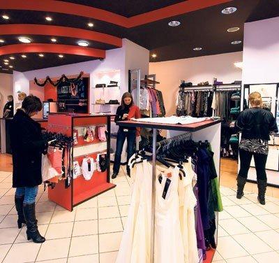 d8fedbad11a81 Teraz klienci szukają modnej odzieży za grosze