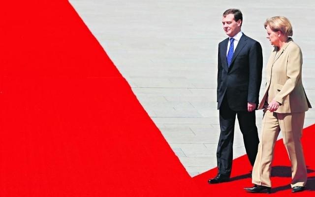 Wykorzystując niechęć Europy do wojowniczej polityki George'a W. Busha Rosjanie zdobyli dominująca pozycję w UE
