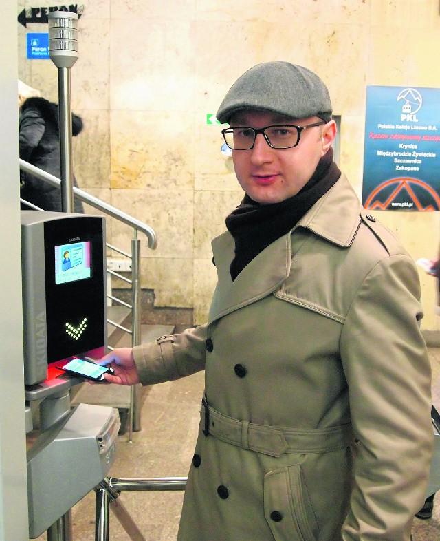 -Nowy system ułatwi zakup biletów i rozładuje kolejki w Kuźnicach - przekonany jest Łukasz Chmielowski z PKG.