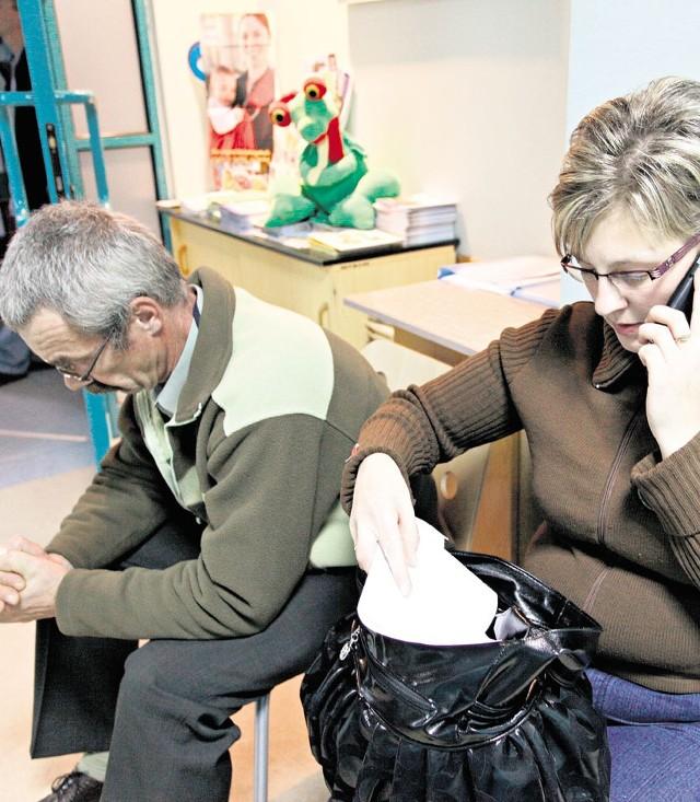 Mama i dziadek chłopców czekali 5 godzin na koniec operacji