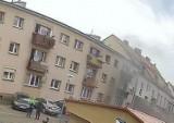 Skwierzyna. Kłęby dymu spowiły kamienicę w centrum miasta. Skwierzynianin suszył tam grzyby w piwnicy, no i ją podpalił.