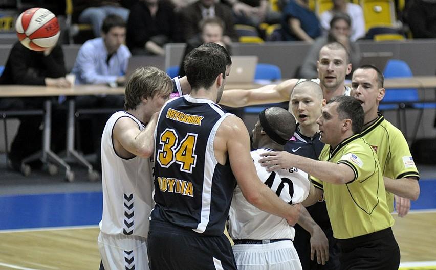 Koszykarze Energi Czarnych ograli w czwartek w Gdyni Asseco Prokom