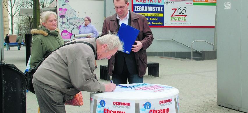 Mieszkańcy Jastrzębia podpisywali apel o darmową A1