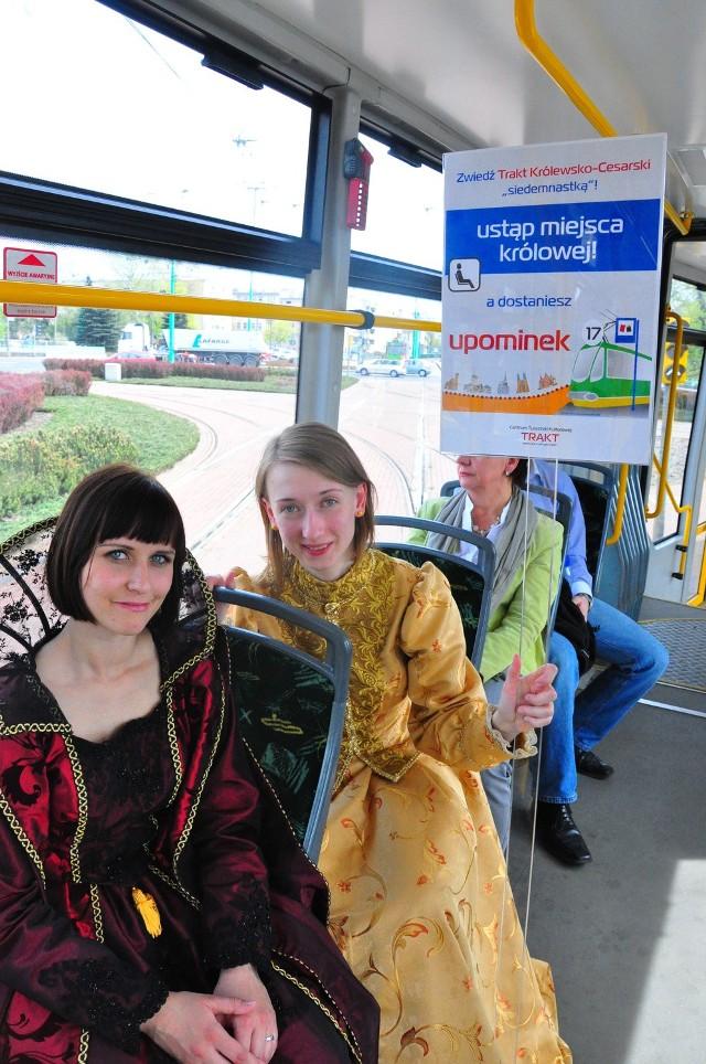 Królowe można spotkać w tramwaju linii nr 17.
