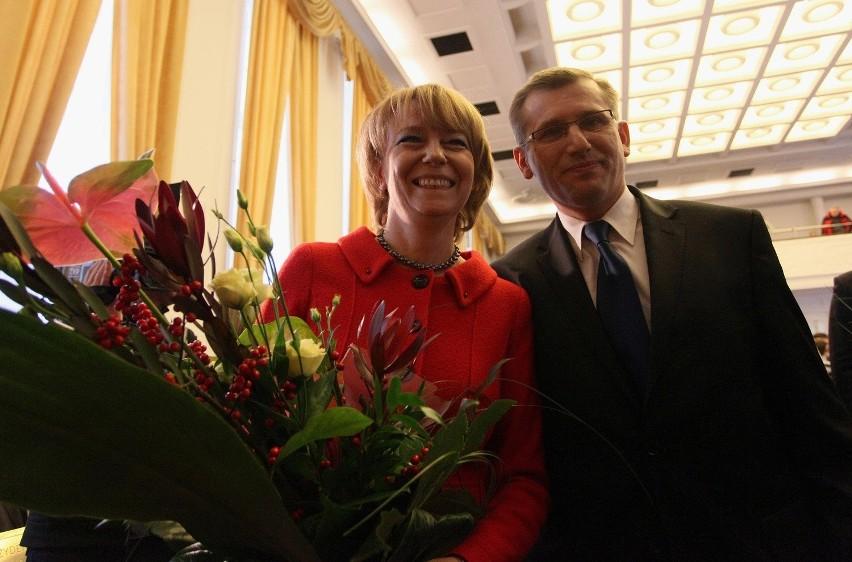 Hanna Zdanowska po zaprzysiężeniu przyjmowała gratulacje, m. in. od ministra Krzysztofa Kwiatkowskiego.