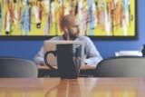 7 nieoczywistych korzyści z dodatkowej pracy. Kiedy warto pomyśleć o drugim zajęciu?