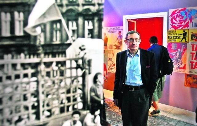 Józef Pinior uważa, że autorom wystawy udało się uniknąć grzechów głównych - ekspozycja nie jest nudna i zbanalizowana