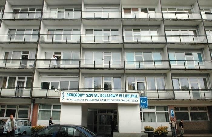 Lekarze z Okręgowego Szpitala Kolejowego w Lublinie nie dostają pensji na czas