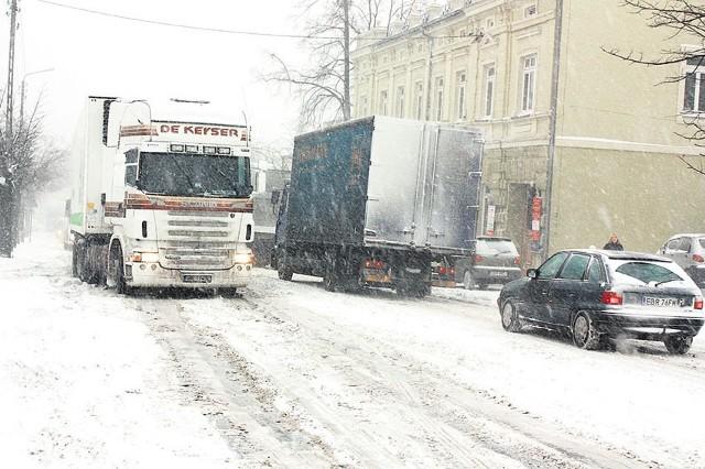 Mieszkańcy narzekają na ośnieżanie w Brzezinach