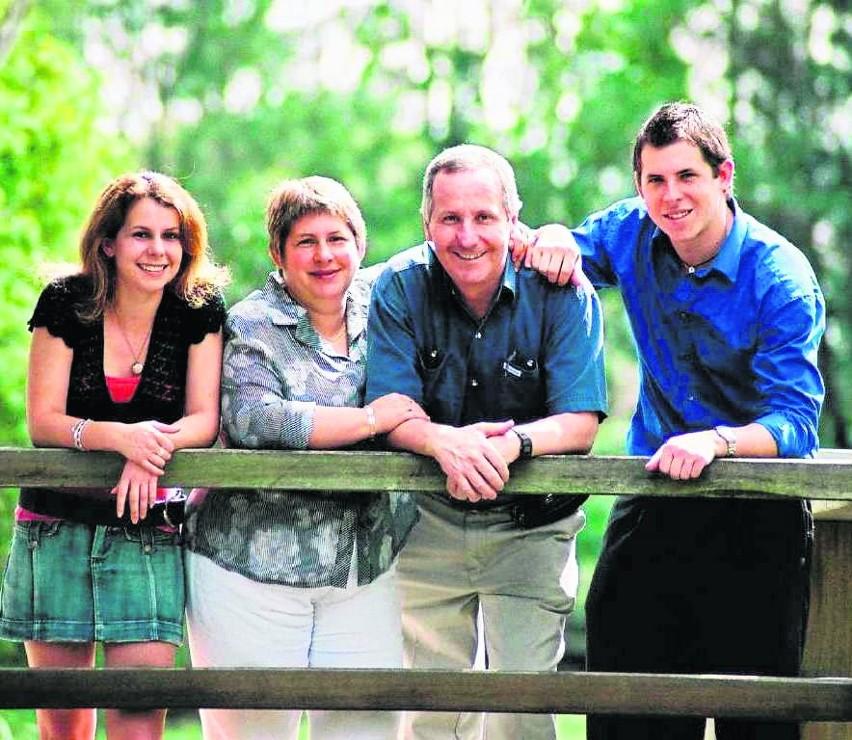 Rodzina Gillinów: Jennifer, Ailsa, Peter i Andy. Zdjęcie z...