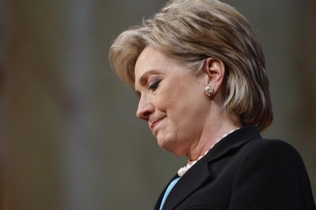 Długi sztabu wyborczego Hilary Clinton sięgają 30 mln dol.