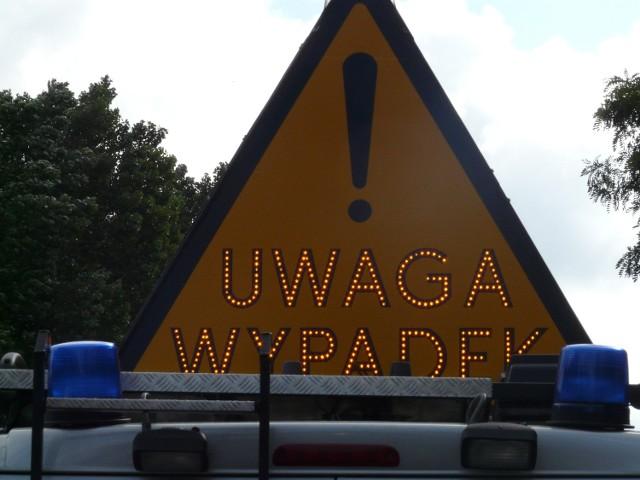 Usuwanie skutków wypadku na Kolumny w Łodzi może potrwać całe przedpołudnie.