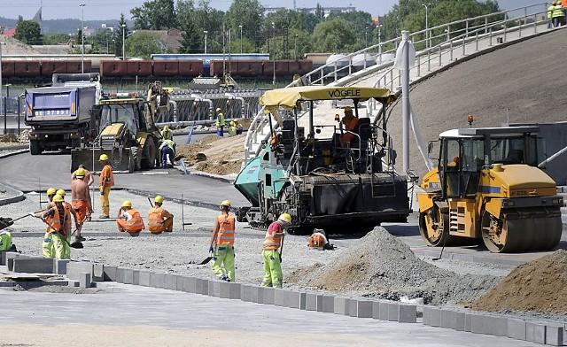 2 czerwca, budowa stadionu PGE Arena. Praca wre.Za dwa tygodnie mają się zakończyć końcowe odbiory