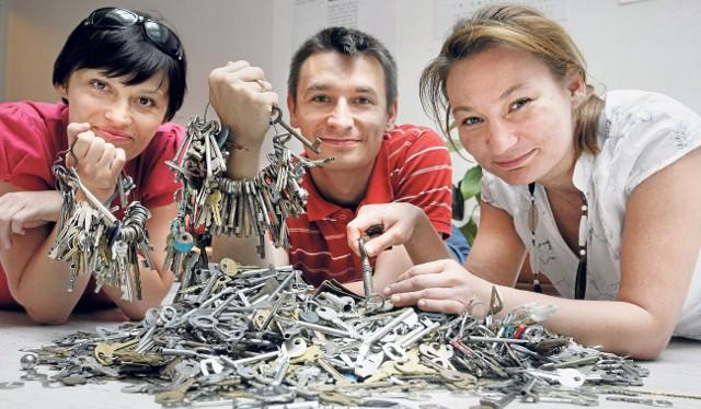 Beata Prusak (z lewej), Piotr Olech i Aleksandra Dębska-Cenian. Zaraz zaczną liczyć...