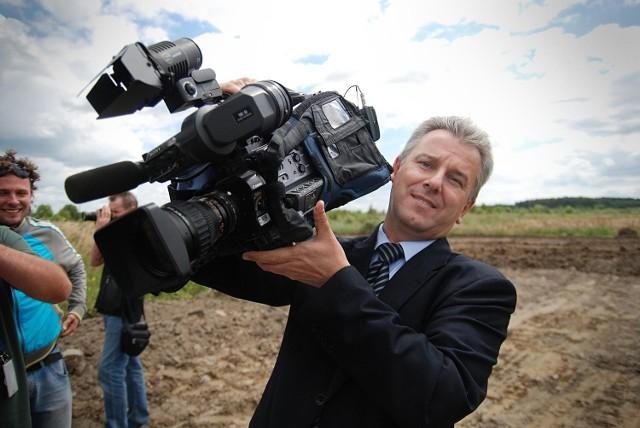 Minister infrastruktury Cezary Grabarczyk jest bardzo medialną postacią...