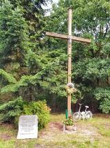 Krzyż w Prośnie. Franciszek postawił  Rodzinny Krzyż [ZDJĘCIA]
