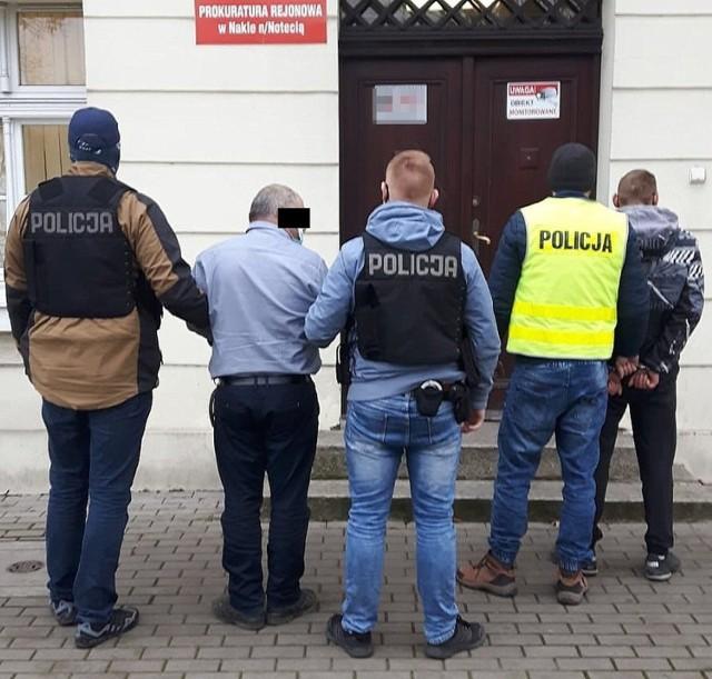 Koronowscy policjanci zatrzymali mieszkańców powiatu bydgoskiego okradających firmy budujące drogę