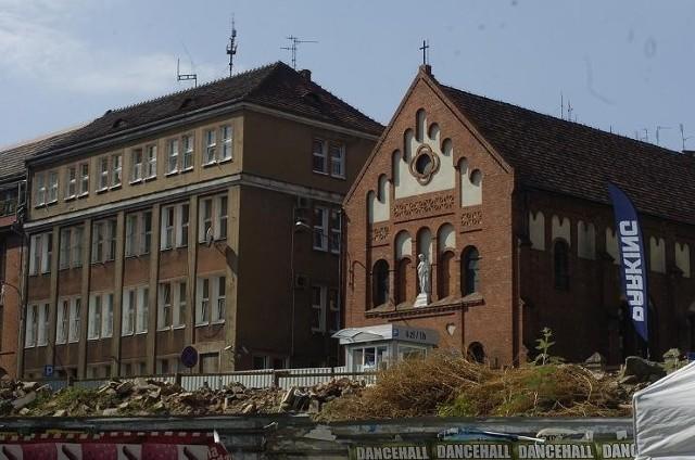 Chłopiec jest wybudzany w szpitalu dziecięcym im. Krysiewicza w Poznaniu