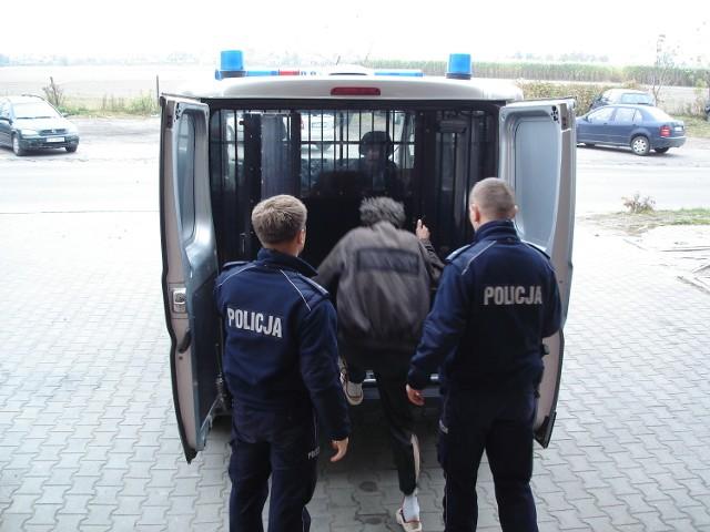 Prawdopodobnie bezdomni zabili jednego ze swoich kompanów. Do tragedii doszło w Skierniewicach.