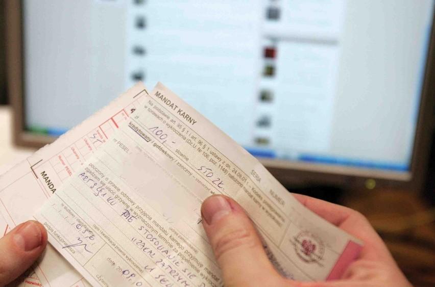 Zebranie 24 punktów karnych oznacza utratę prawa jazdy i konieczność powtórnego przystąpienia do egzaminu