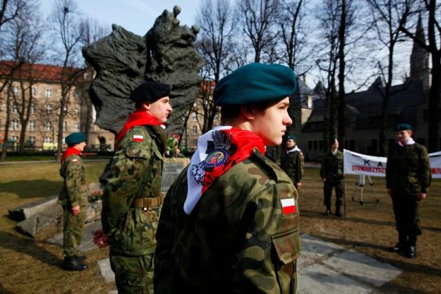 W niedzielę w związku z 72. rocznicą wydania przez władze Związku Sowieckiego rozkazu rozstrzelania polskich oficerów uczczono pamięć wymordowanych