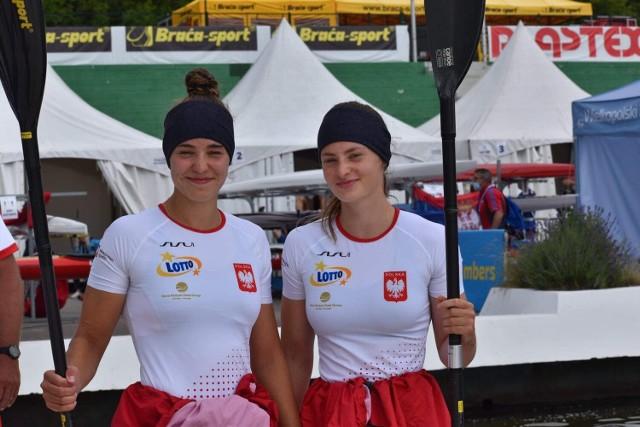 Oliwia Majewska - tu z prawej strony przed mistrzostwami Europy - popłynie wkrótce na regatach w Bydgoszczy