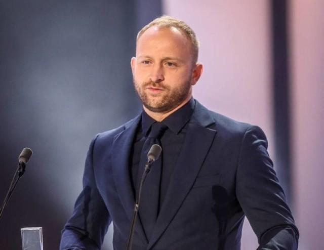 Borys Michał Szyc  (ur. 4 września 1978 w Łodzi) – polski aktor teatralny i filmowy, piosenkarz oraz lektor.  Więcej na kolejnym slajdzie>>>