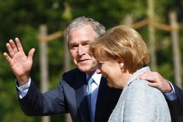 George Bush objeżdża Europę i żegna się z politykami. W Berlinie spotkał się z kanclerz Merkel