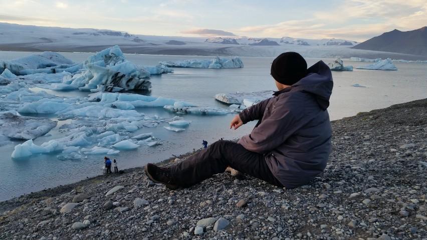 Leszno. Tomasz Dżumaga zwiedził 37 państw. Zdobył większość polskich szczytów, Mont Blanc czy Kilimandżaro. Relacje zamieszcza na YouTube