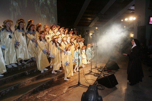 Wsplnota Rodzin przy parafii NSPJ w Wyrach   Wstbnd