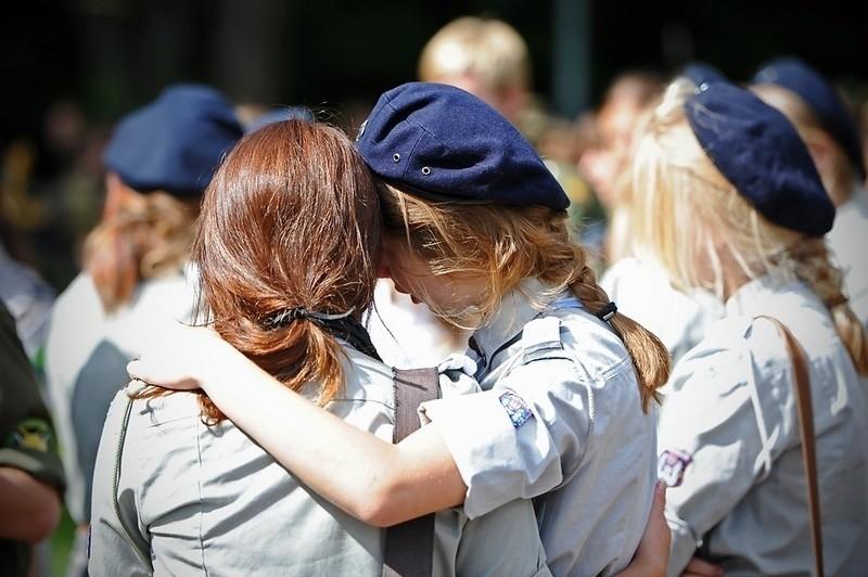 Rodzina, przyjaciele, harcerze i harcerki pożegnali dziś na poznańskim Miłostowie 11-letnią Wiktorię.