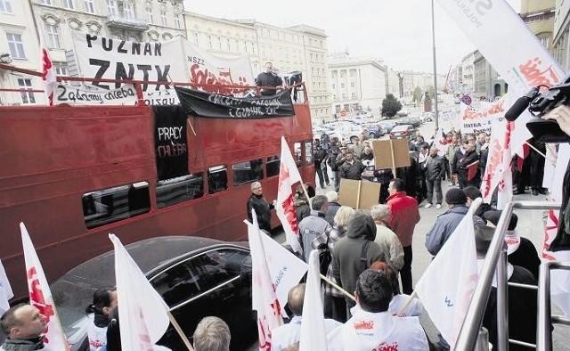 Niedawno pracownicy ZNTK wyszli na ulice