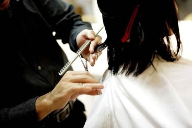 Na kolejnych slajdach podajemy najlepszych fryzjerów we Włocławku według opinii na użytkowników Google   Czytaj dalej. Przesuwaj zdjęcia w prawo - naciśnij strzałkę lub przycisk NASTĘPNE  ▶▶▶▶▶