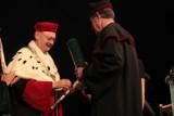 Noblista doktorem honoris causa UŁ i UMED