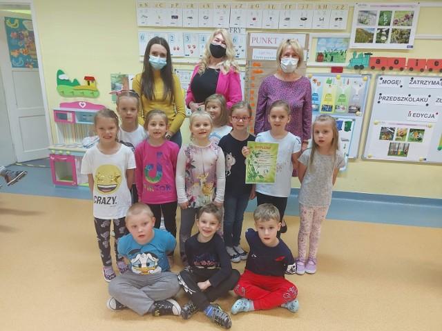 Dzieci z Przedszkola nr 8 w Mysłowicach uczyły się o ekologii.   Zobacz kolejne zdjęcia. Przesuń zdjęcia w prawo - wciśnij strzałkę lub przycisk NASTĘPNE