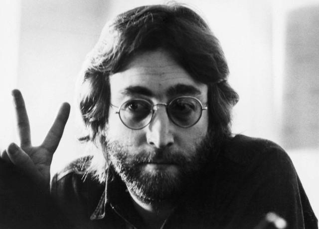 Nie oceniam, stwierdzam fakt. Równie dobrze mógłbym powiedzieć, że teraz telewizja jest popularniejsza od chrześcijaństwa - tłumaczył się Lennon