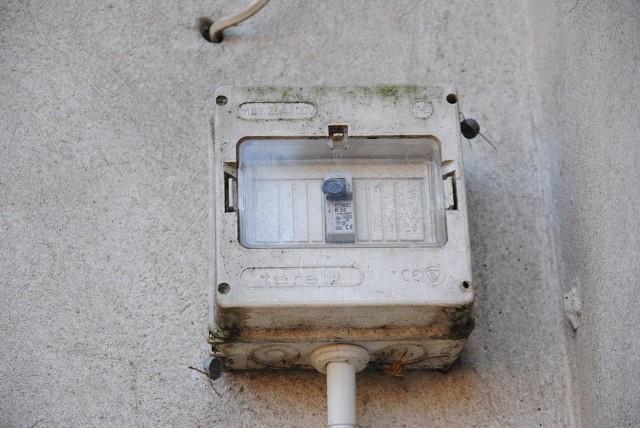 Policjanci w Andrespolu złapali złodzieja prądu.