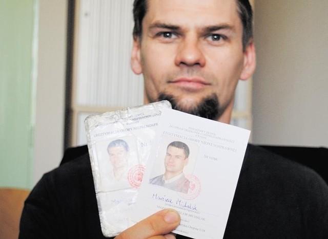 Mariusz Michalak ma teraz dwie legitymacje z orzeczeniem o różnym stopniu niepełnosprawności