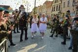 Mistrzynie powitanie w Rawiczu. Złote medalistki Karolina Kucharczyk i Anita Włodarczyk spotkały się z mieszkańcami [ZDJĘCIA]